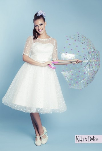 Kitty & Dulcie :: Hopelessly Devoted, a Cheap but Gorgeous Wedding Dress