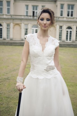 Queen Kitty Full Length Lace Wedding Dress